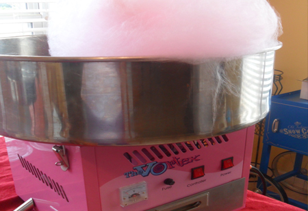 funtimeinflatablesnc-cottoncandymachine-rental
