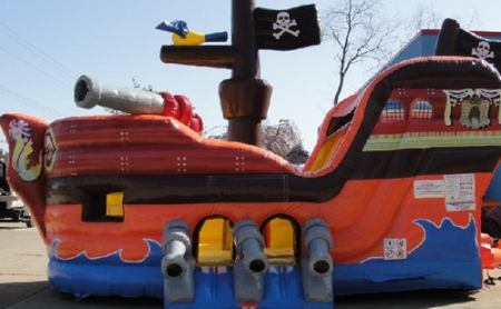funtimeinflatablesnc-pirateship-rental